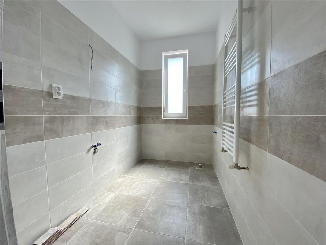 Apartament 2 camere de vanzare etaj intermediar in GIROC - ID V39 18