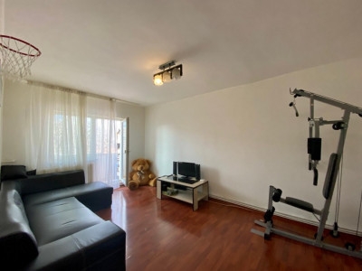 Apartament de vanzare cu 4 camere, decomandat, in zona Torontalului - V1421
