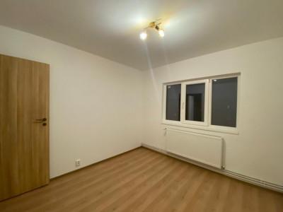 Apartament cu 3 camere, decomandat, renovat, centrala proprie, Lipovei - V1443